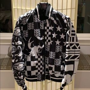 Nike SB blk wht scorpion and stars bomber -sz M